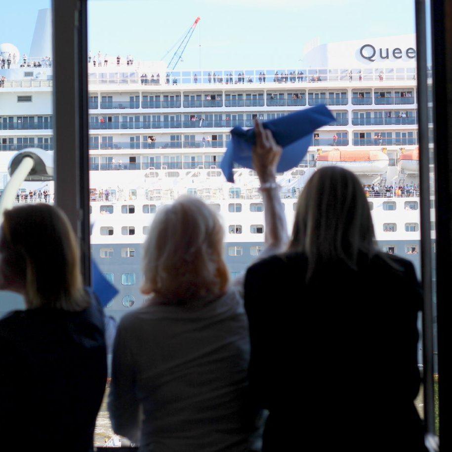 Kreuzfahrtschiffe gucken im Hamburger Hafen