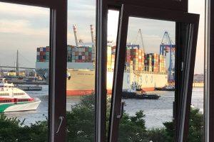 Feiern direkt im Hamburger Hafen - Mehr Elbe geht nicht!